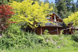 Photo 2: 7633 Squilax Anglemont Road: Anglemont House for sale (North Shuswap)  : MLS®# 10233439