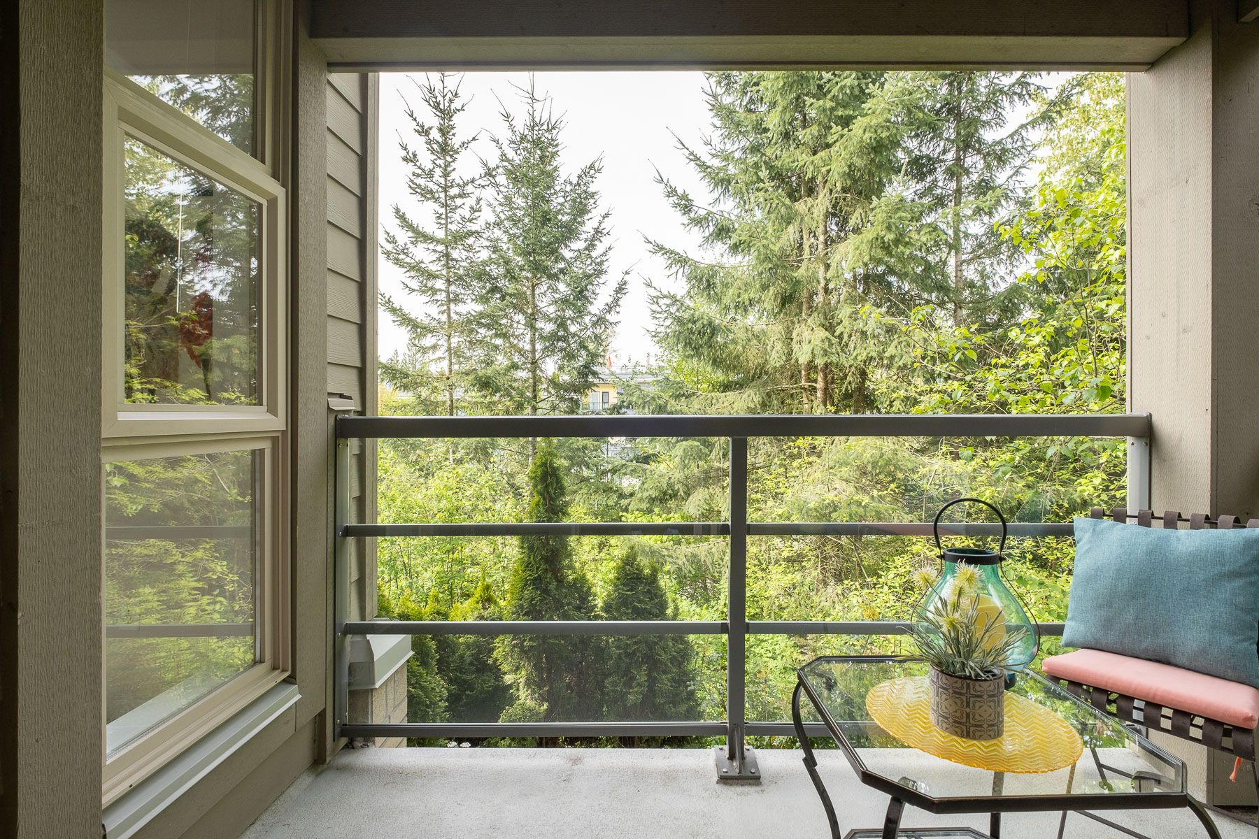 """Photo 13: Photos: 404 9339 UNIVERSITY Crescent in Burnaby: Simon Fraser Univer. Condo for sale in """"HARMONY AT THE HIGHLANDS"""" (Burnaby North)  : MLS®# R2578073"""