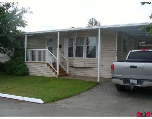 """Main Photo: 123 8234 134TH Street in Surrey: Queen Mary Park Surrey Manufactured Home for sale in """"SQUIRE GATE"""" : MLS®# F2903472"""