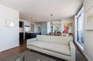 """Photo 5: 1703 1055 HOMER Street in Vancouver: Yaletown Condo for sale in """"DOMUS"""" (Vancouver West)  : MLS®# R2186785"""