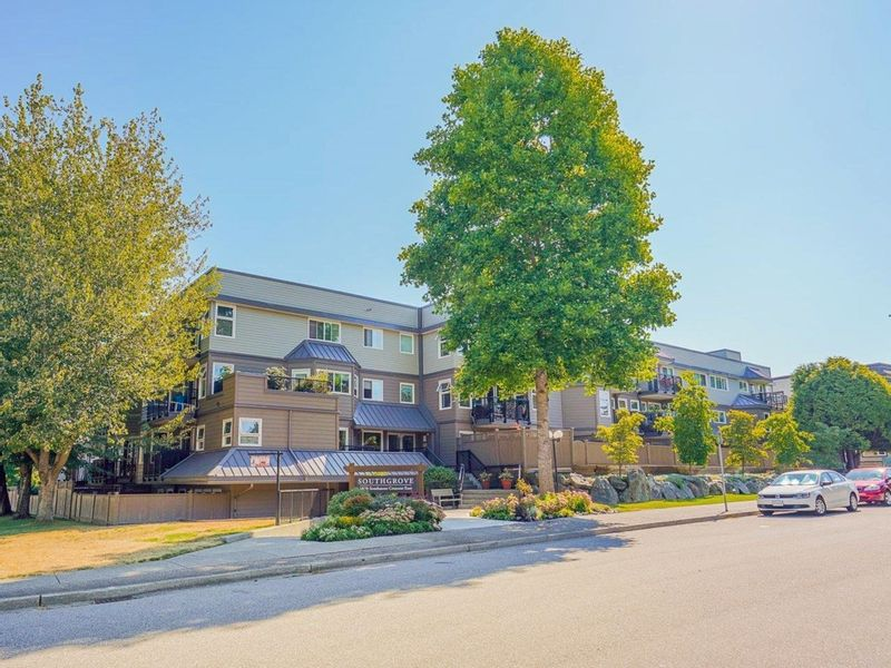 FEATURED LISTING: 207 - 1870 SOUTHMERE Crescent East Surrey