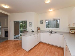 Photo 13: 309 1686 Balmoral Ave in COMOX: CV Comox (Town of) Condo for sale (Comox Valley)  : MLS®# 833200