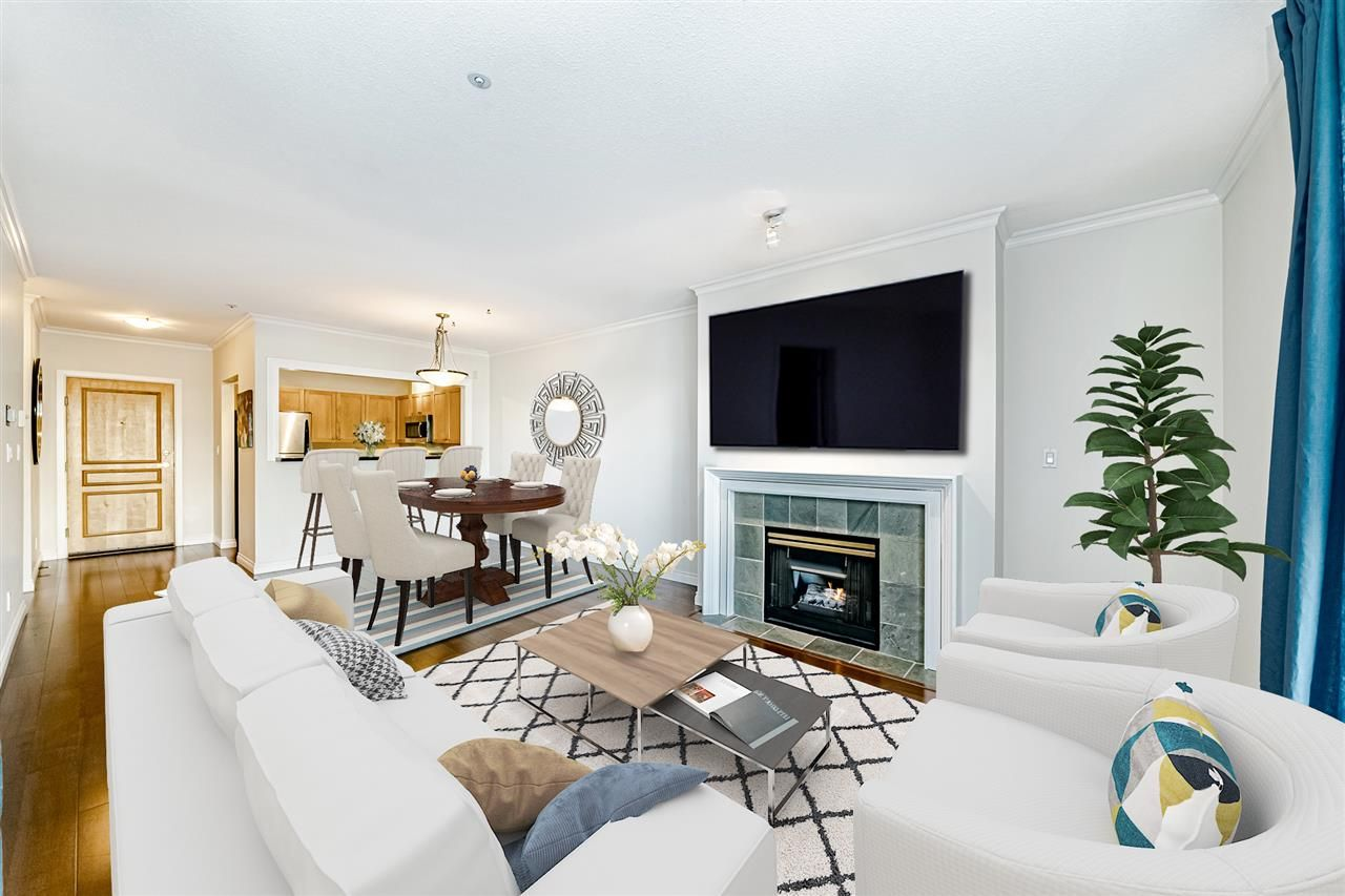 Open Concept Living/Dining Room, Cozy Gas Fireplace (gas included in the strata fees).  Gorgeous engineered hardwood floors, slate floors in the kitchen.