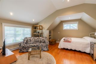 """Photo 35: 2411 125 Street in Surrey: Crescent Bch Ocean Pk. House for sale in """"CRESCENT HEIGHTS"""" (South Surrey White Rock)  : MLS®# R2499568"""