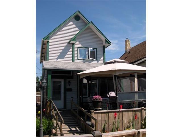 Main Photo: 1569 Alexander Avenue in WINNIPEG: Brooklands / Weston Residential for sale (West Winnipeg)  : MLS®# 1116712