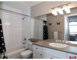 """Photo 7: 415 8880 202ND Street in Langley: Walnut Grove Condo for sale in """"THE RESIDENCES AT VILLAGE SQUARE"""" : MLS®# F2904901"""