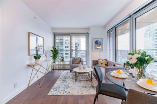 "Photo 2: 1705 1480 HOWE Street in Vancouver: Yaletown Condo for sale in ""VANCOUVER HOUSE"" (Vancouver West)  : MLS®# R2517021"