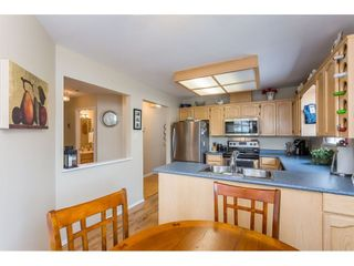 "Photo 5: 45 19649 53 Avenue in Langley: Langley City Townhouse for sale in ""Huntsfield Green"" : MLS®# R2394879"