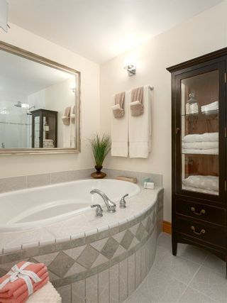 "Photo 13: 210 FURRY CREEK Drive: Furry Creek House for sale in ""FURRY CREEK"" (West Vancouver)  : MLS®# R2286105"