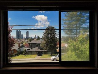 Photo 4: 5751 KITCHENER Street in Burnaby: Parkcrest House for sale (Burnaby North)  : MLS®# R2567462