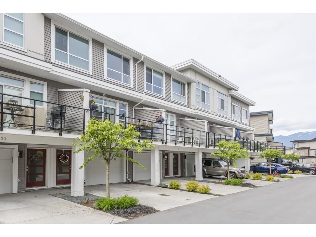 """Main Photo: 34 8413 MIDTOWN Way in Chilliwack: Chilliwack W Young-Well Townhouse for sale in """"Midtown"""" : MLS®# R2575902"""
