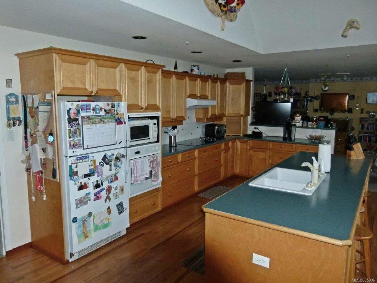 Photo 17: Photos: 2025 Bowen Rd in NANAIMO: Na Central Nanaimo Mixed Use for sale (Nanaimo)  : MLS®# 835096