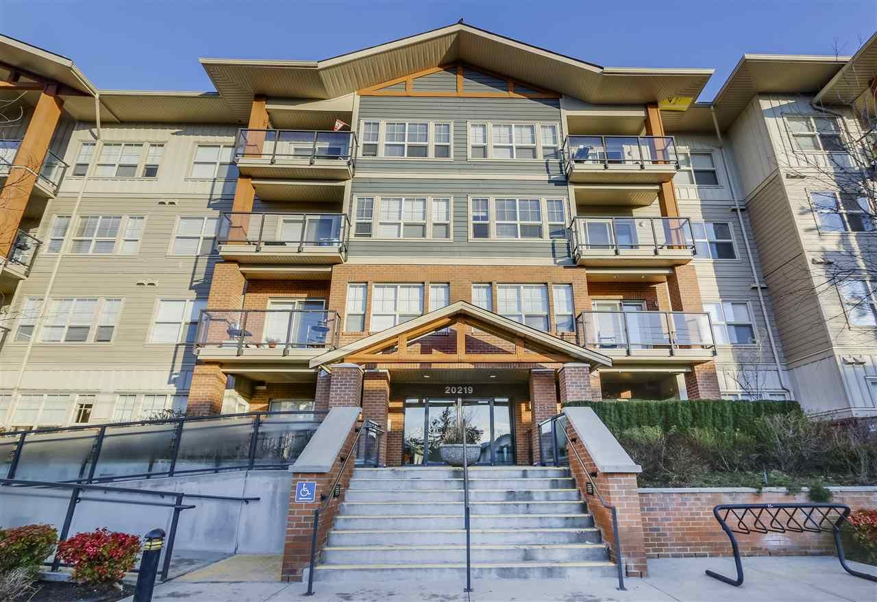 Main Photo: 308 20219 54A AVENUE in Langley: Langley City Condo for sale : MLS®# R2333974