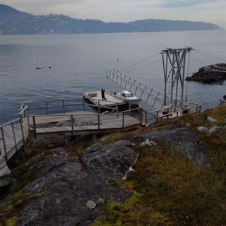 "Photo 36: 21 - 22 PASSAGE Island in West Vancouver: Howe Sound House for sale in ""PASSAGE ISLAND"" : MLS®# R2412224"