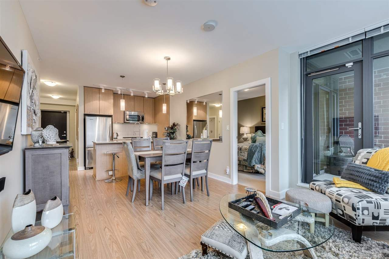 """Photo 8: Photos: 204 301 CAPILANO Road in Port Moody: Port Moody Centre Condo for sale in """"The Residences"""" : MLS®# R2474301"""