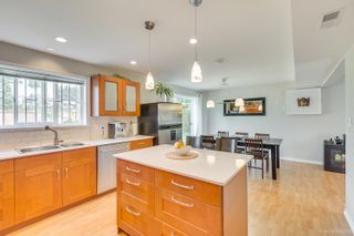 """Photo 10: 681 EASTERBROOK Street in Coquitlam: Coquitlam West House for sale in """"COQUITLAM WEST"""" : MLS®# R2403456"""