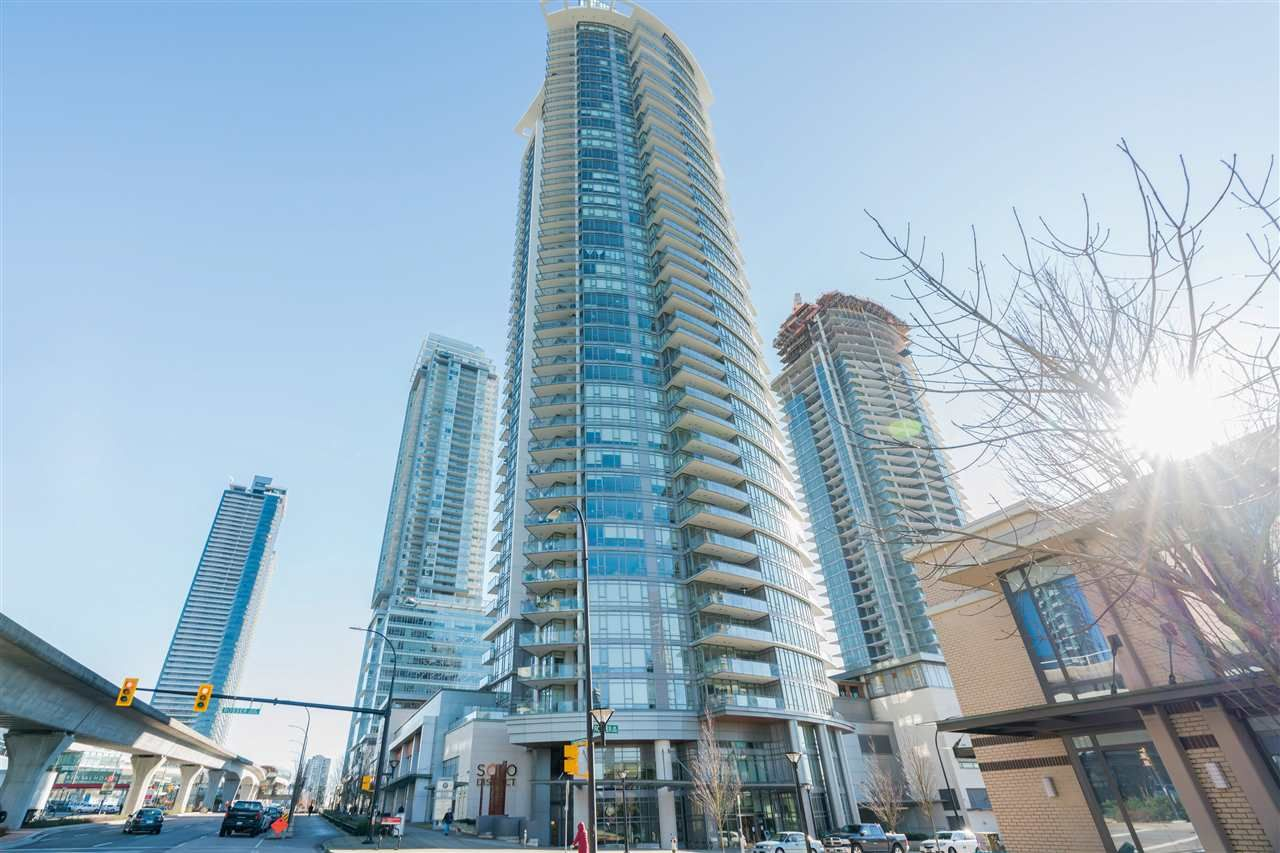 """Main Photo: 2601 2008 ROSSER Avenue in Burnaby: Brentwood Park Condo for sale in """"SOLO District Stratus"""" (Burnaby North)  : MLS®# R2542732"""