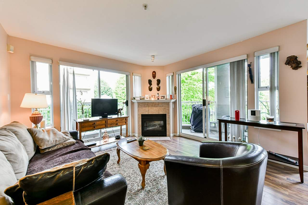 Main Photo: 303 519 TWELFTH Street in New Westminster: Uptown NW Condo for sale : MLS®# R2477967