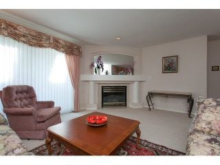 """Photo 10: 167 13888 70 Avenue in Surrey: East Newton Townhouse for sale in """"Chelsea Gardens"""" : MLS®# R2000018"""
