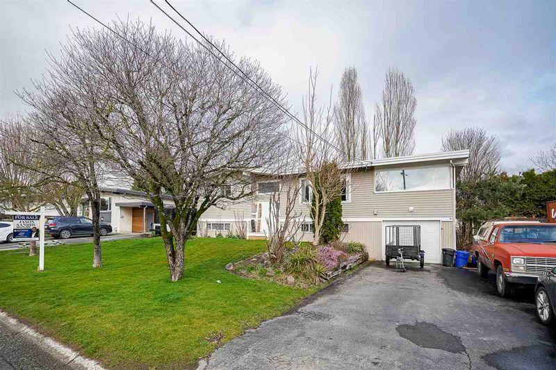 FEATURED LISTING: 10324 GRANT Street Chilliwack