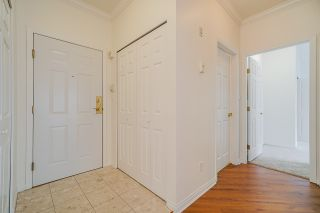 """Photo 4: 207 3098 GUILDFORD Way in Coquitlam: North Coquitlam Condo for sale in """"Malborough House"""" : MLS®# R2449072"""