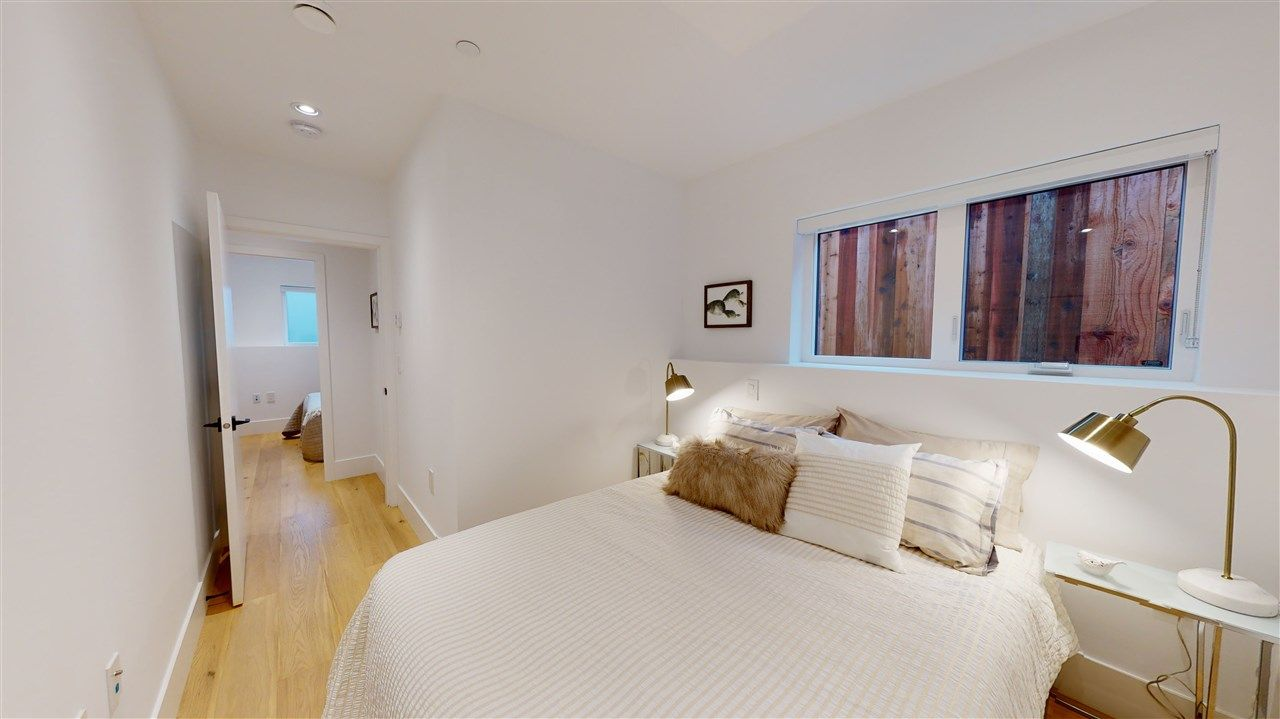 Photo 13: Photos: 1914 GRAVELEY Street in Vancouver: Grandview Woodland 1/2 Duplex for sale (Vancouver East)  : MLS®# R2535206