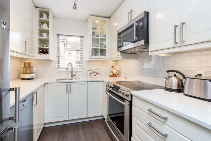 FEATURED LISTING: 214 - 843 22ND Street West Vancouver