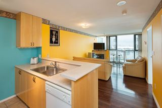 """Photo 2: 1006 2763 CHANDLERY Place in Vancouver: Fraserview VE Condo for sale in """"THE RIVER DANCE"""" (Vancouver East)  : MLS®# R2341147"""