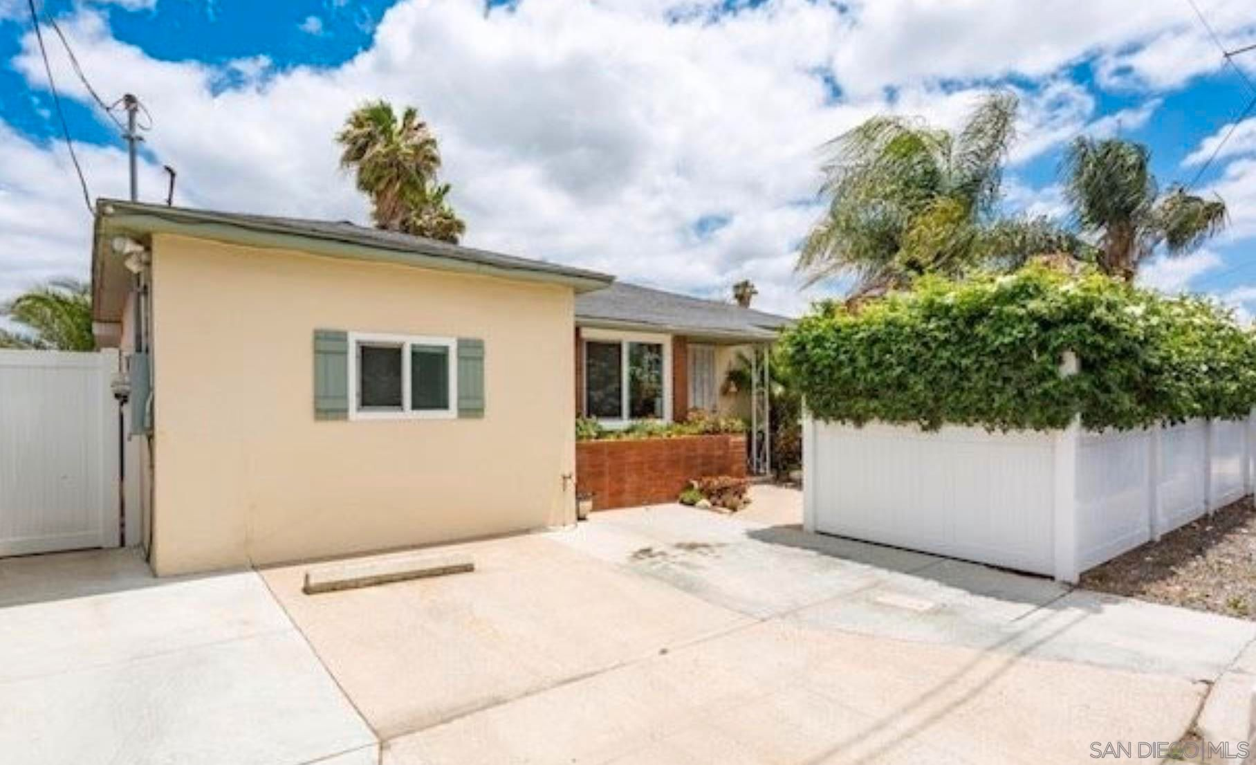 Main Photo: SAN DIEGO House for sale : 3 bedrooms : 5123 Ewing Street