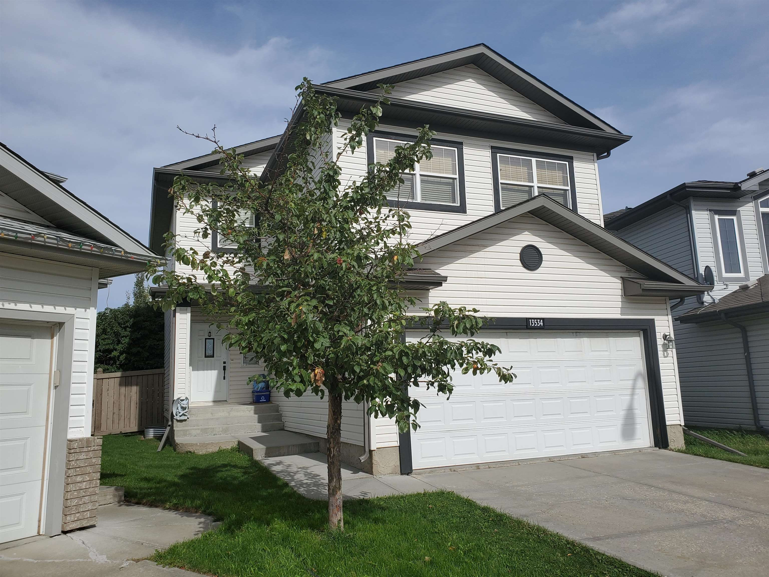 Main Photo: 13534 141A Avenue NW in Edmonton: Zone 27 House for sale : MLS®# E4264405