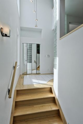 Photo 3: 9606 99A Street in Edmonton: Zone 15 House for sale : MLS®# E4228775