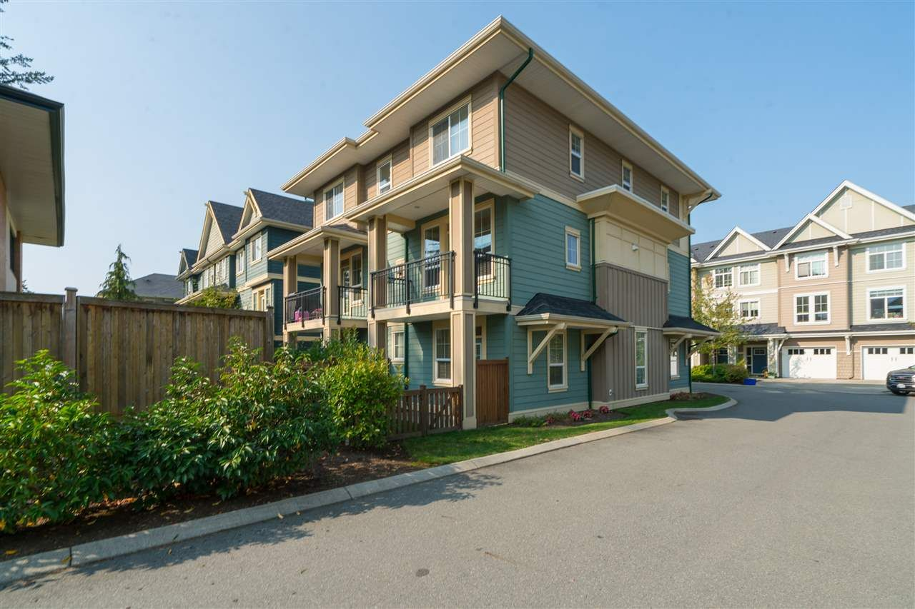 """Main Photo: 20 45290 SOOWAHLIE Crescent in Chilliwack: Vedder S Watson-Promontory Townhouse for sale in """"PARK GATE"""" (Sardis)  : MLS®# R2504306"""