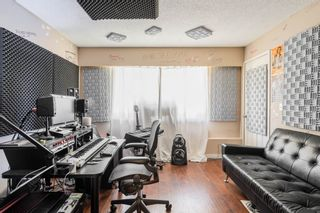 Photo 19: 5873 172A Street in Surrey: Cloverdale BC 1/2 Duplex for sale (Cloverdale)  : MLS®# R2497442