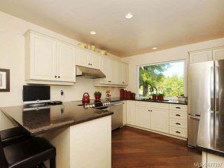 Photo 3: 555 Fairways Pl in COBBLE HILL: ML Cobble Hill Half Duplex for sale (Malahat & Area)  : MLS®# 677307