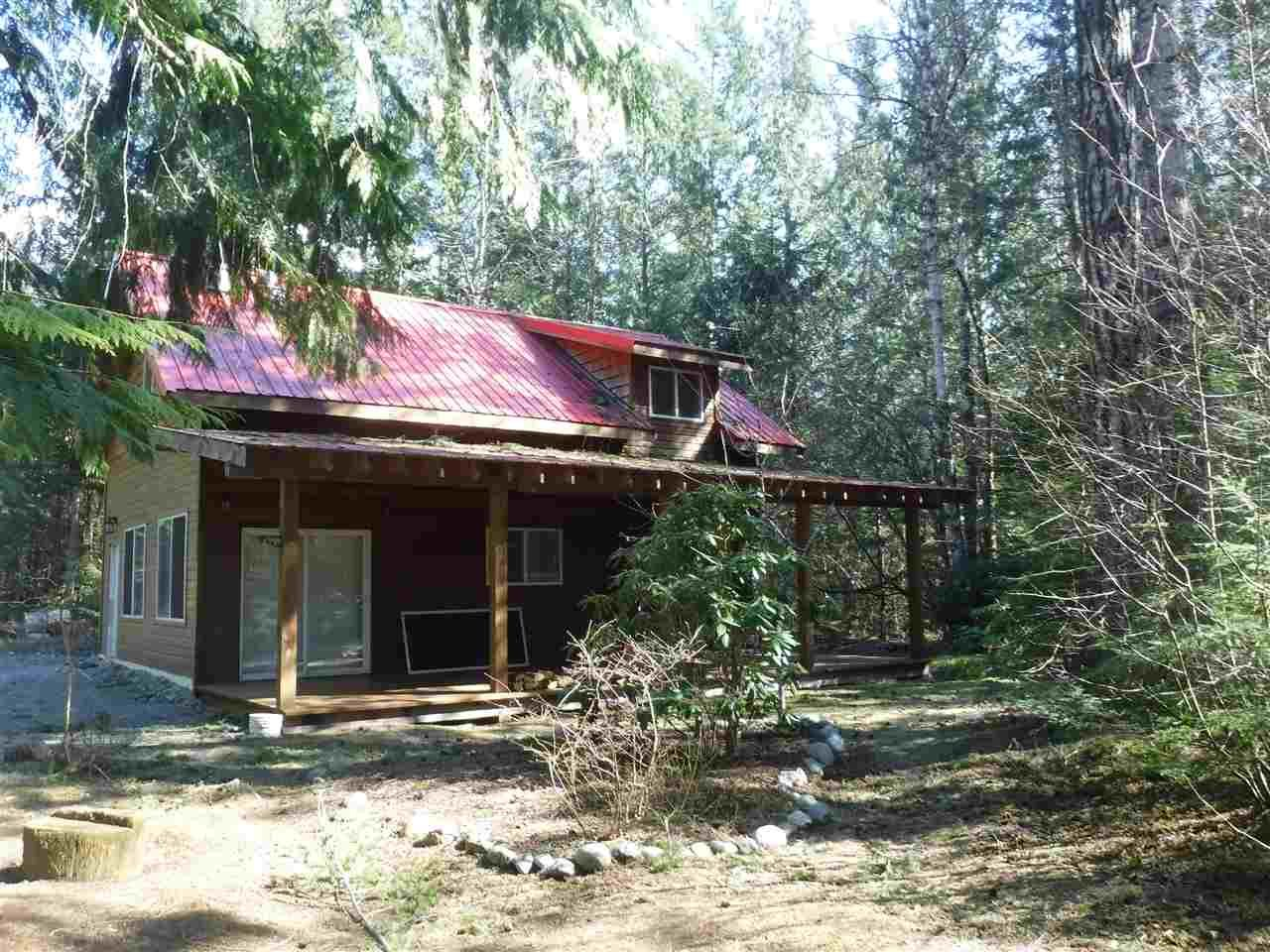 Main Photo: 2860 NE HALF MOON Drive in Bella Coola: Bella Coola/Hagensborg House for sale (Williams Lake (Zone 27))  : MLS®# R2451043