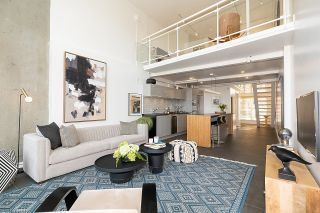 """Photo 8: 403 1529 W 6TH Avenue in Vancouver: False Creek Condo for sale in """"WSIX"""" (Vancouver West)  : MLS®# R2620601"""
