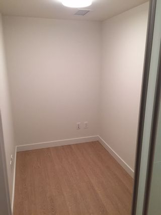 Photo 15: 1703 8833 HAZELBRIDGE Way in Richmond: West Cambie Condo for sale : MLS®# R2199525