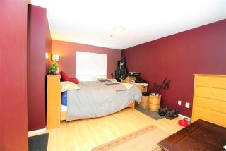 """Photo 12: 113 2130 MCKENZIE Road in Abbotsford: Central Abbotsford Condo for sale in """"McKenzie Place"""" : MLS®# R2260341"""