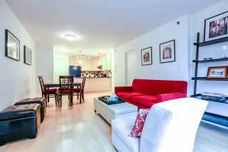 Photo 8: 808 819 HAMILTON STREET in Vancouver: Downtown VW Condo for sale (Vancouver West)  : MLS®# R2118682