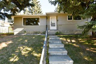 Main Photo: 5228 Brisebois Drive NW in Calgary: Charleswood Detached for sale : MLS®# A1153396