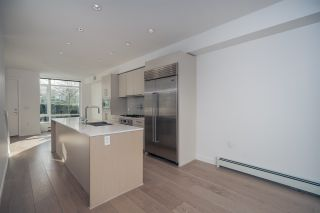 """Photo 19: 1 593 W KING EDWARD Avenue in Vancouver: Cambie Townhouse for sale in """"KING EDWARD GREEN"""" (Vancouver West)  : MLS®# R2539639"""