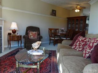 Photo 6: 411 1083 Tillicum Rd in VICTORIA: Es Kinsmen Park Condo for sale (Esquimalt)  : MLS®# 743444