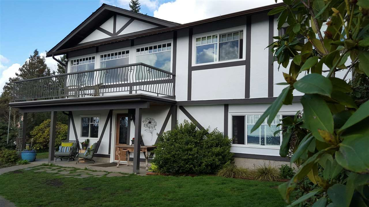Main Photo: 325 SEAFORTH Crescent in Coquitlam: Central Coquitlam House for sale : MLS®# R2041423