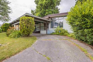 Photo 2: 8919 GLENWOOD Street in Chilliwack: Chilliwack W Young-Well House for sale : MLS®# R2385098