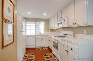 Photo 5: House for sale : 3 bedrooms : 1318 Montego Court in Vista