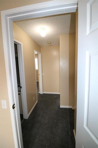 Photo 7: 80 Martinbrook Road NE in Calgary: Martindale Detached for sale : MLS®# A1092833