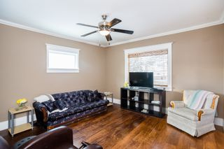 Photo 5: 301 Clarence Avenue North in Saskatoon: Varsity View Residential for sale : MLS®# SK719651