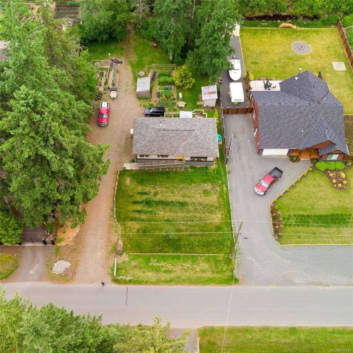 Main Photo: 9283 Martin Park Dr in : CV Merville Black Creek House for sale (Comox Valley)  : MLS®# 876119