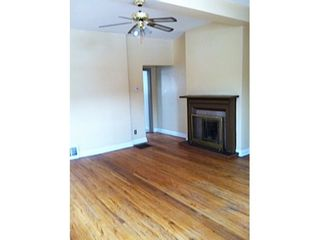 Photo 13: Duplex with 2 basement apartments