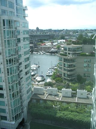 """Photo 5: 1408 1500 HORNBY Street in Vancouver: False Creek North Condo for sale in """"888 BEACH"""" (Vancouver West)  : MLS®# V720670"""